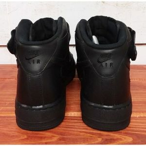 Nike Shoes - Nike Air Force 1 Mid '07 Shoes 8